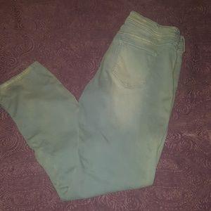 Cute Ana distressed jeans